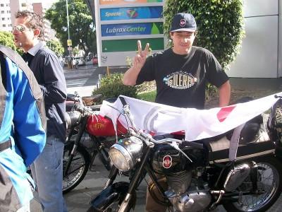 Carlitos con bandera Gilera